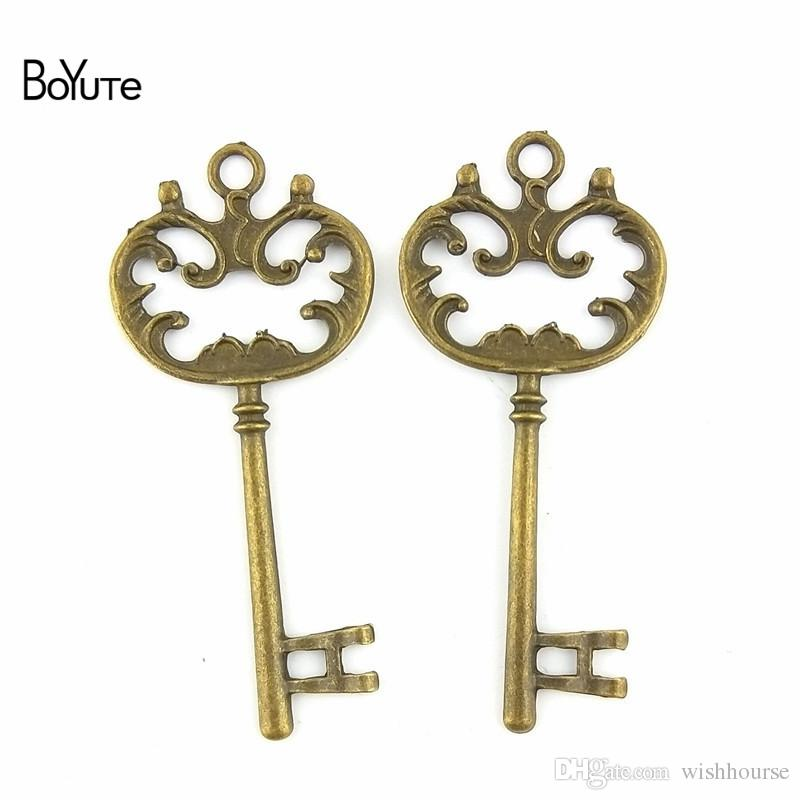 BoYuTe  69*31MM Antique Bronze Silver Plated Zinc Alloy Vintage Diy Pendant Key Charms for Jewelry Making Accessories