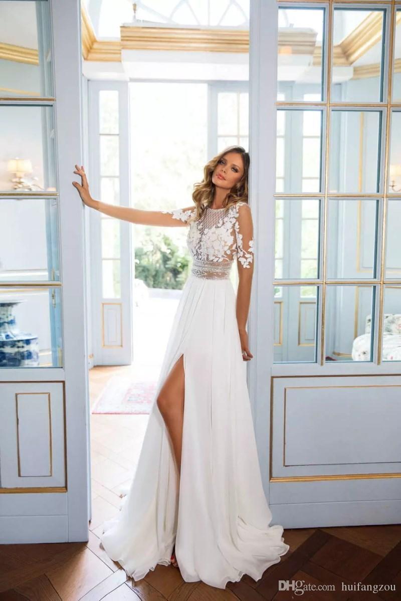 Vestidos de novia de estilo bohemio de playa modestos 2018 Vestidos largos de encaje de manga larga escarpados Vestidos de novia de Split Side Vestido de novia