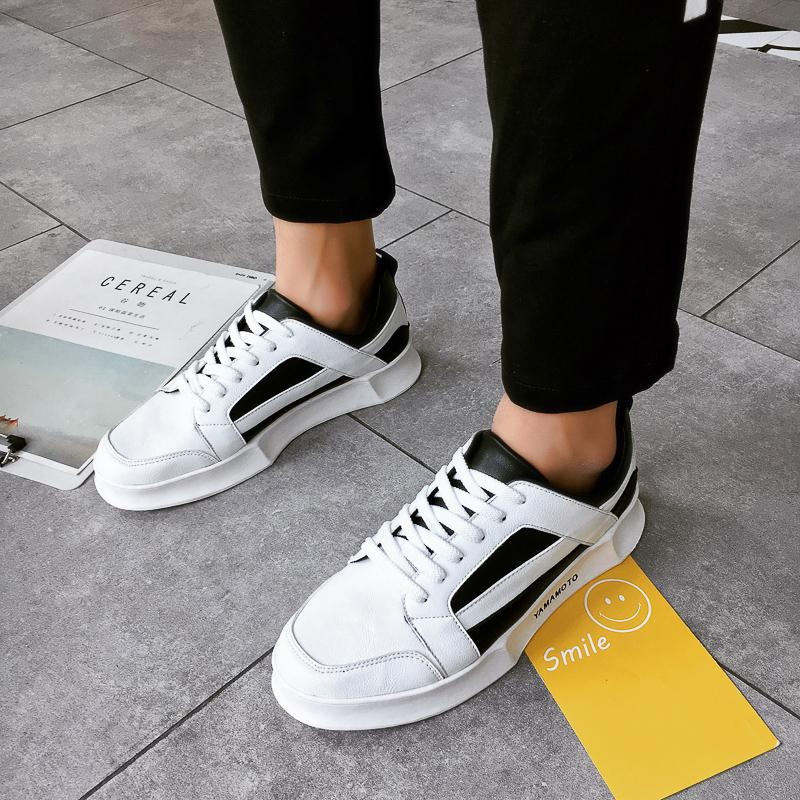 1aae69b33 Compre 2018 Nova Primavera / Outono Sapato Placa Sapatos Versão Dos Homens  De Tendência Branco Sapatos Casuais Respirável Versátil Lona Dos Homens 5  De ...