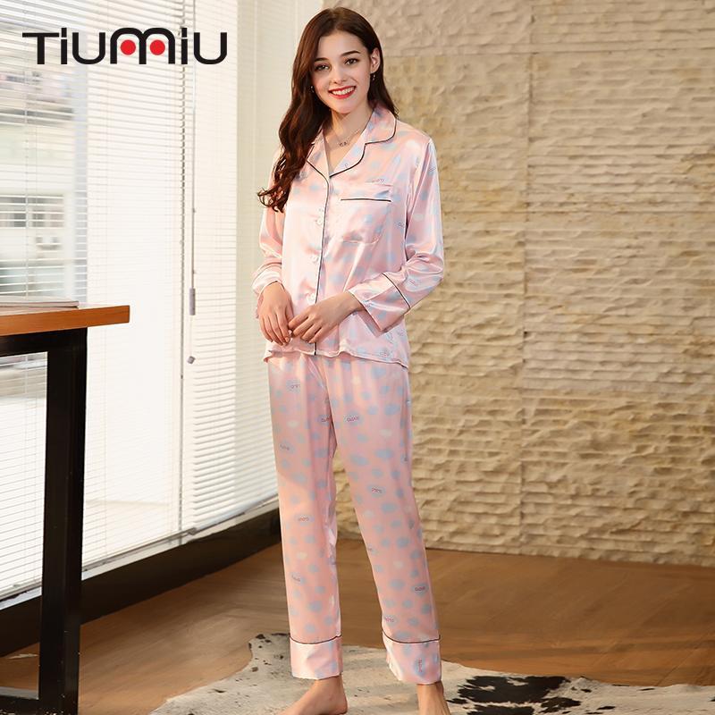 935fdbead Compre Mulheres Conjuntos De Pijama Rosa De Alta Qualidade Senhoras Com  Decote Em V Pijamas Em Casa Roupa De Noite Lingerie Mulheres Pontos  Impresso Sleep ...