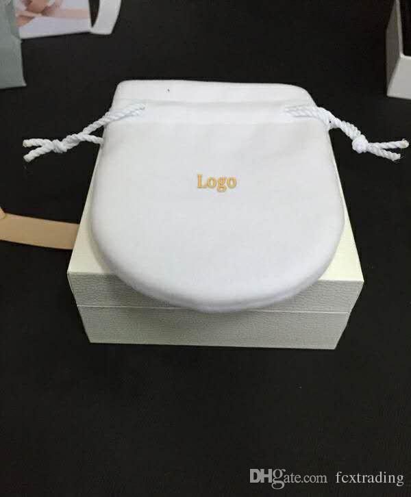 صالح الأبيض لصندوق شقة الإسفنج وسادة داخل السحر الخرزة قلادة حلقة القرط سوار أكياس الورق هدية مربع مجوهرات حزمة العرض
