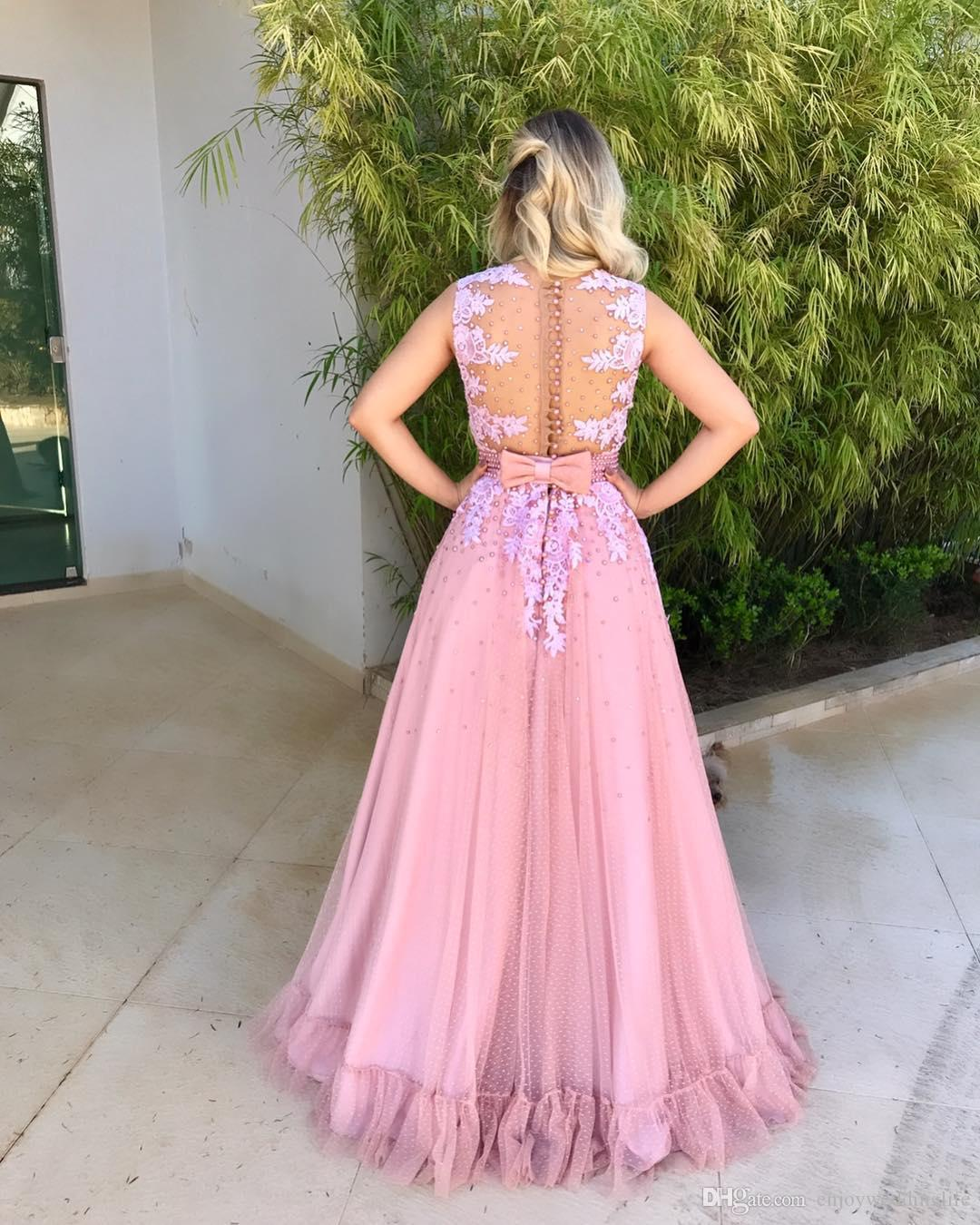 Vintage Pink Sleeveless A Line Tulle Prom Dresses Jewel Neck Lace Beading Illusion Back Evening Dresses Button Covered Special Wear