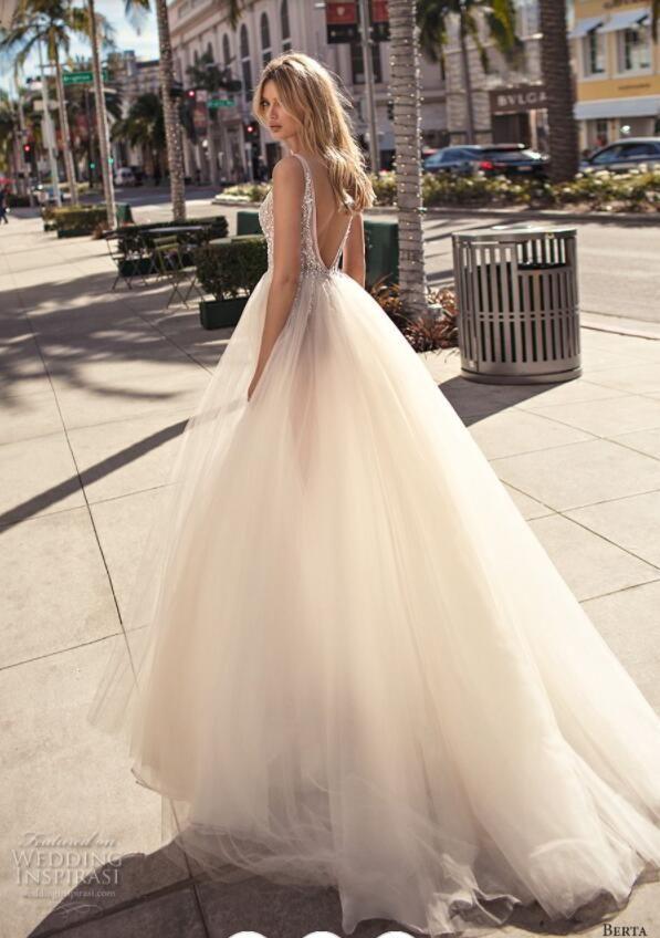 2019 Muse Berta Bohemian Wedding Dresses Deep V Neck Lace Beaded Sequins Side Split Backless Beach Wedding Gown Sweep Train robe de mariée