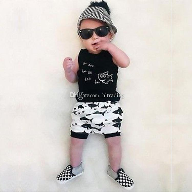 Ensembles de vêtements pour enfants d'été bébé garçon vêtements Cartoon Fish Shark Print pour Tenue Garçon Enfant Mode T-shirt Shorts Enfants Costumes C4321