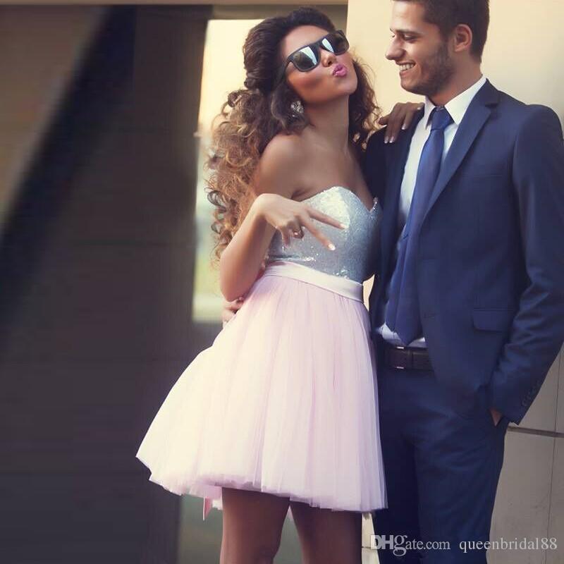 Vestidos de fiesta de novia 2018 con lentejuelas y cremallera sin espalda Vestidos de fiesta de cóctel sin espalda de tul una línea de vestido de fiesta corto