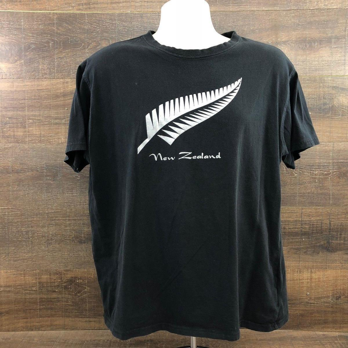 05c78c3084 New Zealand Rugby League Men's T-Shirt 407-20 Silver Fern Kiwi Symbol Black  XL