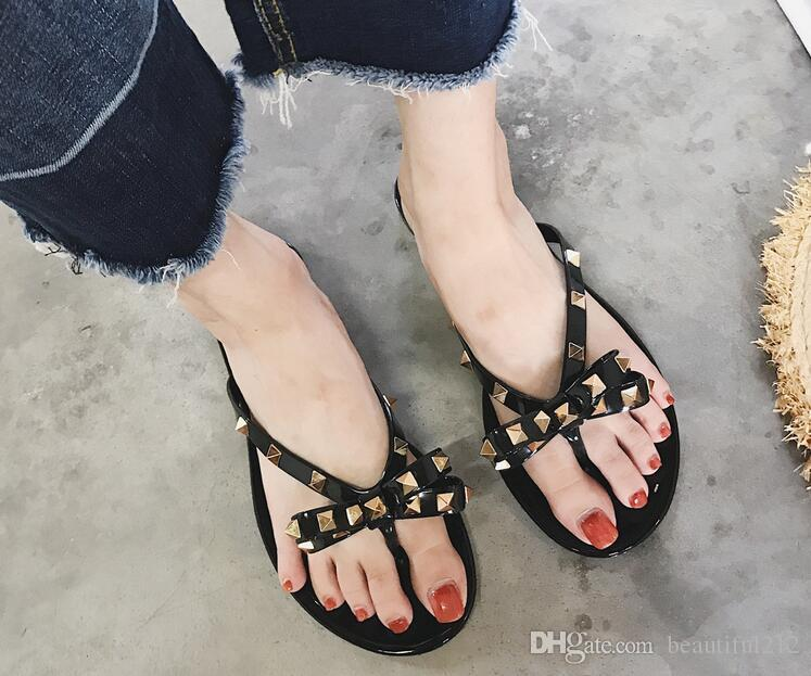 Hot summer new ladies slippers fashion rivets bow flat flip flops female beach outdoor sandals size 36-40