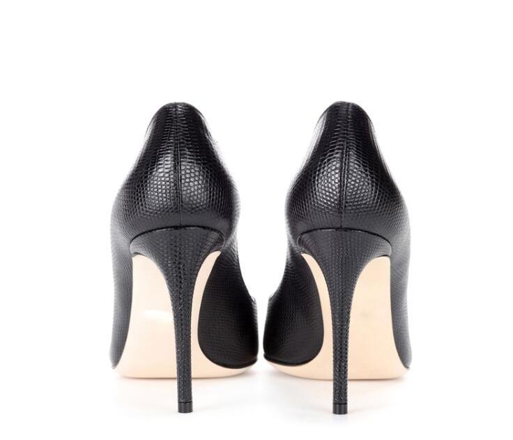 Scarpe da donna con tacco alto in pelle sintetica nera con tacco alto e scarpe da sposa con punta a punta