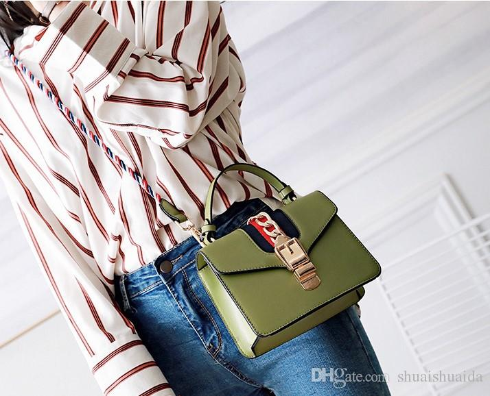 2019. New pattern. Leisure fashion handbag. PU. Antirust alloy. Women's Bags. Small. Mini. White black. Shoulder Bags.Totes. handbags. SDF41