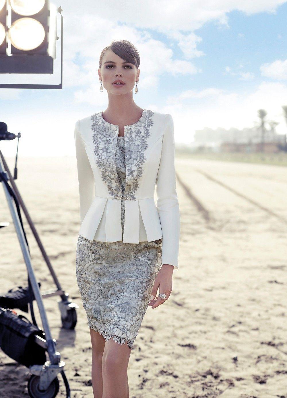 Veste avec robe dentelle blanche