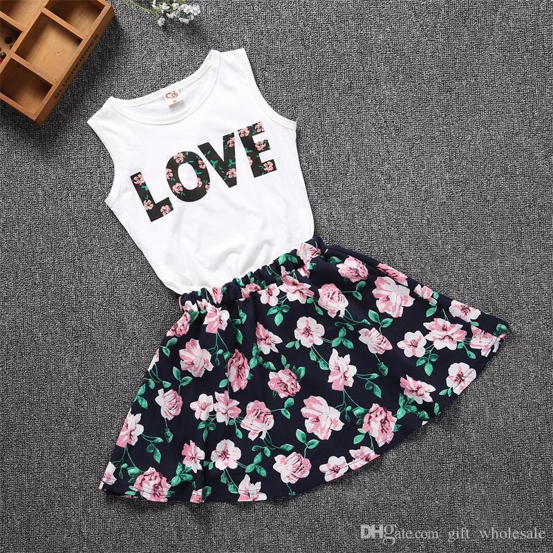 100-150 cm Bébé Filles Vêtements LOVE Tops + jupe Fleur Joli Fleur En Coton Enfants Ensembles 2018 D'été Enfants Fille Vêtements Ensemble