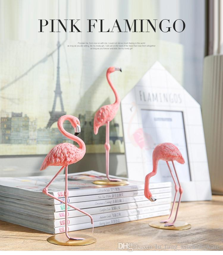 Resina Pink Flamingo Home Decor Figura per ragazza Ins Hot Home decorazione Regali per ragazza nuovo tre stile carino Desktop Decoration 2018 all'ingrosso