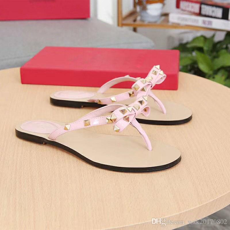 2018 new bows flat bottomed slippers wear feet very comfortable classic and gorgeous perfect combination for you to show the noble and uncom