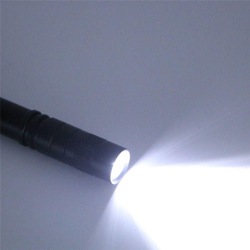 Clip de la pluma LED Linterna 1 Modo de funcionamiento con batería 300LM Pluma ligera Pluma de luz Bolsillo al aire libre a prueba de agua antorcha Penlight