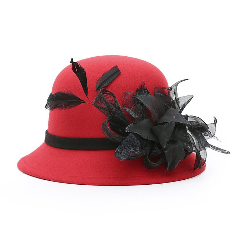 Acquista HT1235 Elegante Donna Autunno Inverno Secchi Cappelli Donna Grande  Feather Mesh Decorare Bowler Cappelli In Feltro Di Lana Solido Cloche A   37.98 ... 475f5dfe8039