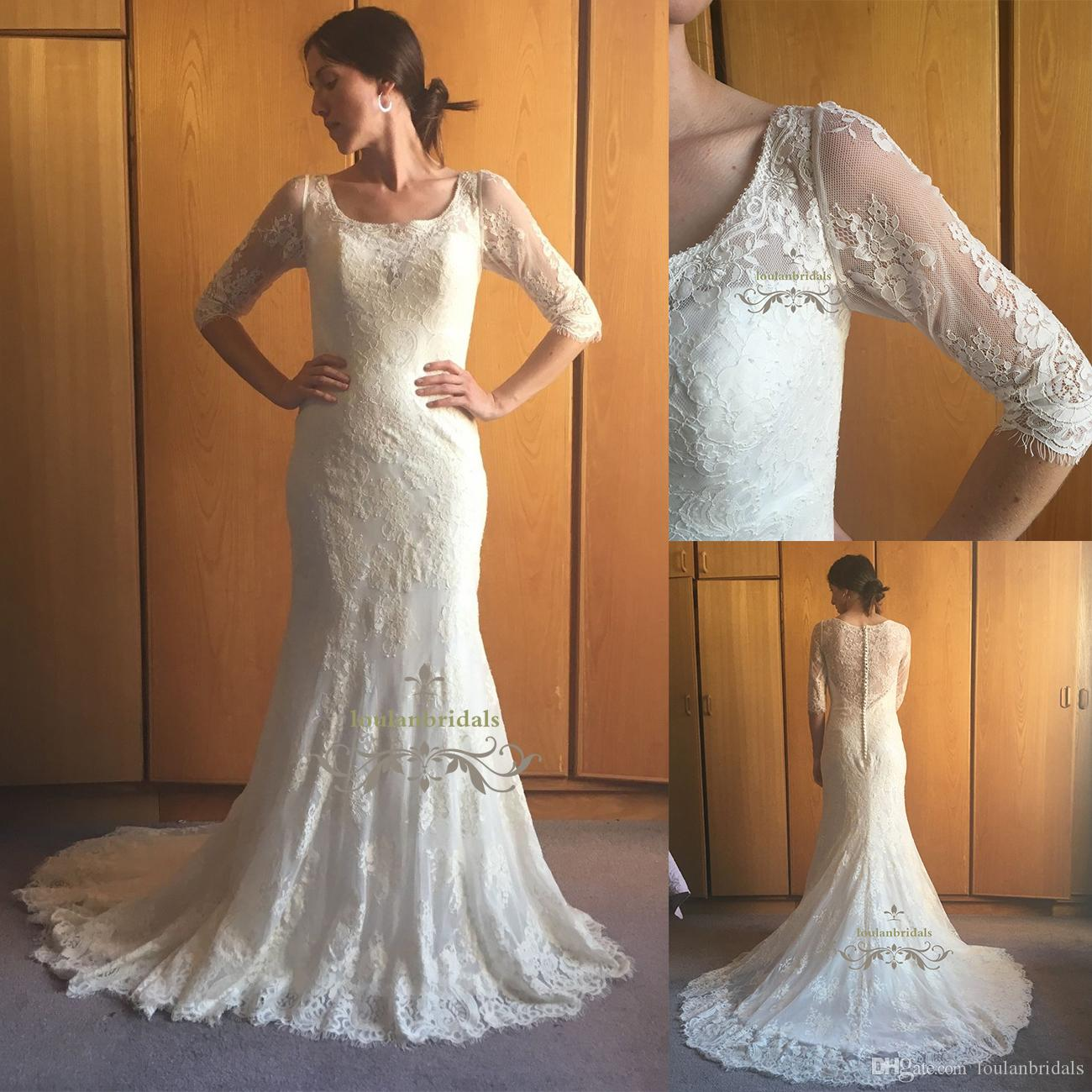 Stunning Lace Wedding Dress Satin Buttons Spine Neck Scalloped Train ...