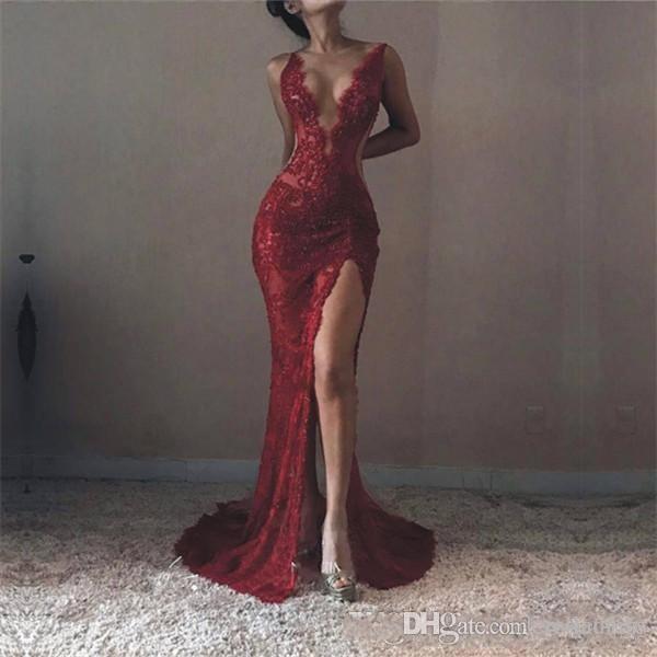 2018 Michael Costello Mermaid Dantel Seksi Gelinlik Modelleri Dalma V Boyun Yüksek Ön Bölünmüş Abiye giyim Örgün Custom Made Ünlü Elbiseleri
