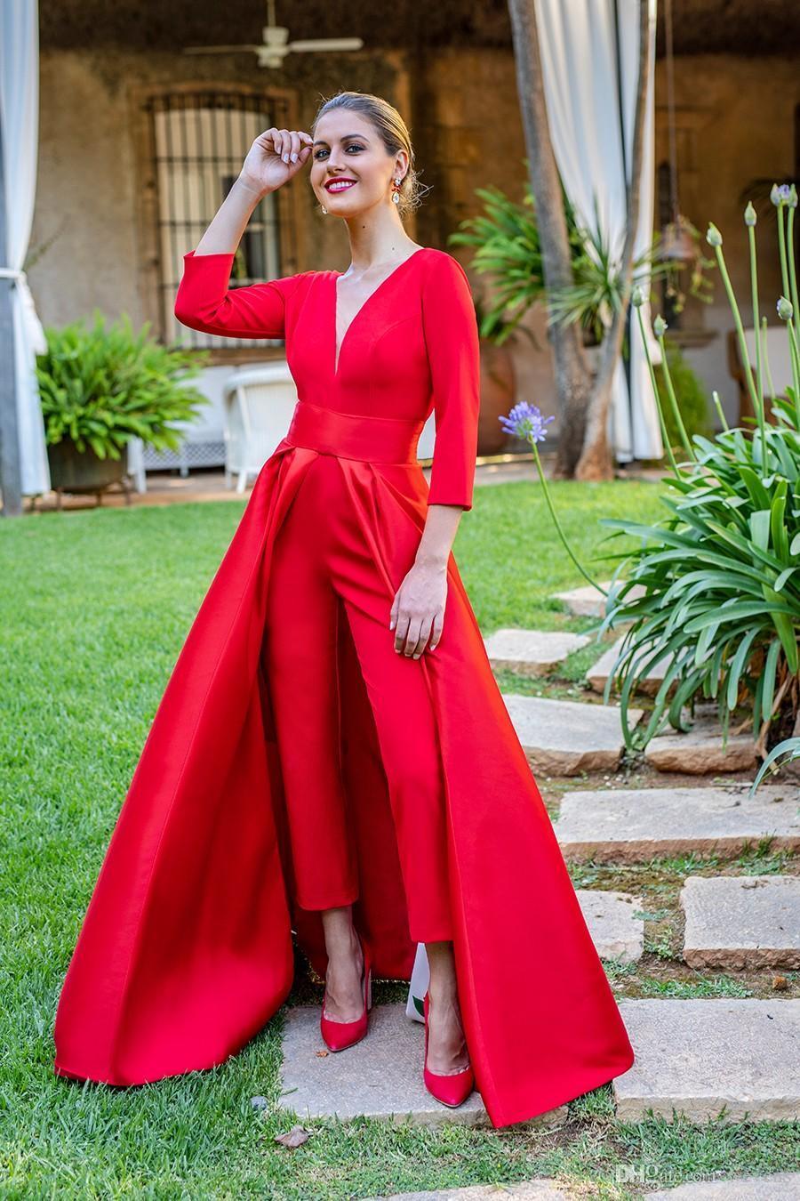 Acheter 2018 Modest Red Combinaisons Deux Pièces Robes De Soirée Profonde  Col En V Avant Split Pantsuit Robes De Célébrité Robe De Soirée Sur Mesure  De ...