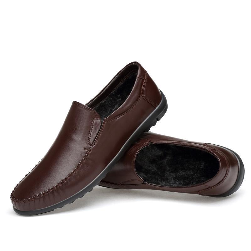 Acquista Scarpe Invernali Da Uomo Casual In Pelle Di Marca Sneakers In  Pelle Mocassini Tenere In Caldo Peluche Europeo Classico Zapatos Di Alta  Qualità 38 ... 621305ef5db