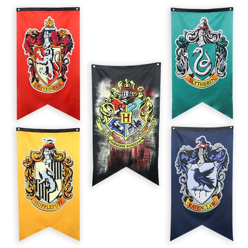 Compre 75   125 Cm Harry Potter Banners Bandeira Grifinória Hufflepuff  Bandeiras Hogwarts Faculdade Partido Bandeira Da Bandeira Da Casa Decoração  Da Parede ... 615bde726e1