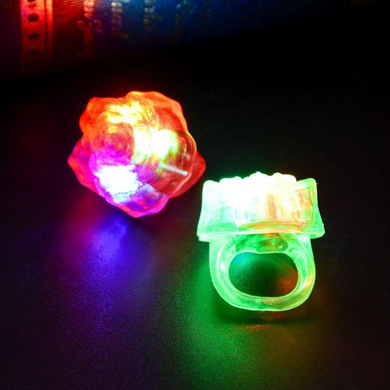 240 unids / lote LED Light Up Intermitente Flor Dura Rosa Anillos de Dedo Glow Kids Party Favors Juguetes Estrella Anillo de Dedo F20172944