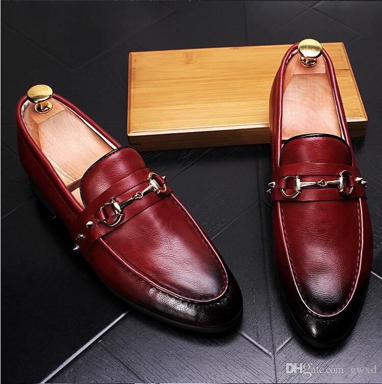 2018 New Style Fashion Men's Casual Loafers Rivets Slip-on Dress Shoes Handmade Smoking Slipper Men Flats Wedding Party Shoes G116
