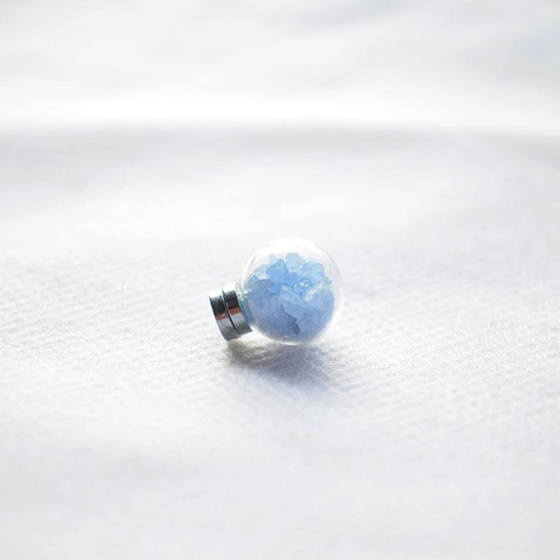 a Pair Blue Luminous Glow In The Dark Magnet Non Pierced Ear Cuff Clip On Earrings For Women Vintage Fashion Jewelry Korean Boho