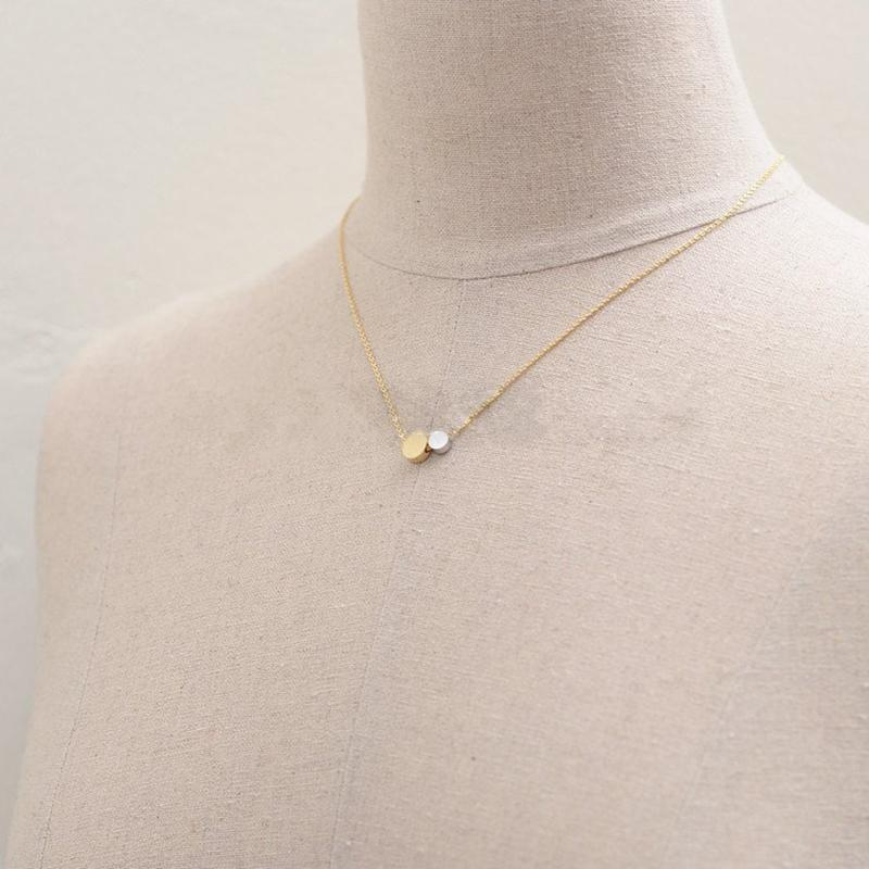 Fashion circle pendant necklaces Big circle and small circle combination laces Praise others gesture pendant necklaces for women