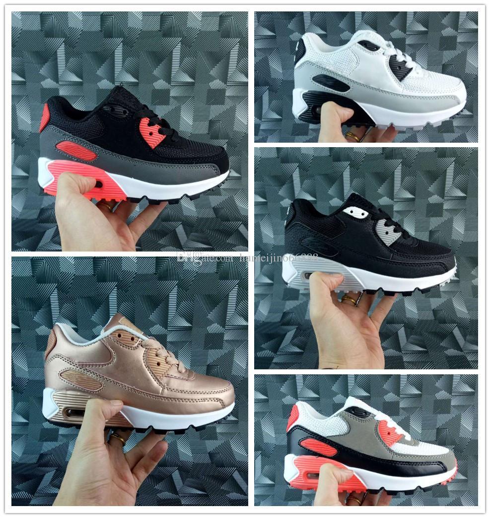 buy popular 621b4 89aa8 Großhandel Nike Air Max Airmax 90 Baby Kinder Sneakers Schuhe Klassiker 90  Jugend Jungen Mädchen Kinder Laufschuhe Schwarz Weiß Trainer Air Cushion ...