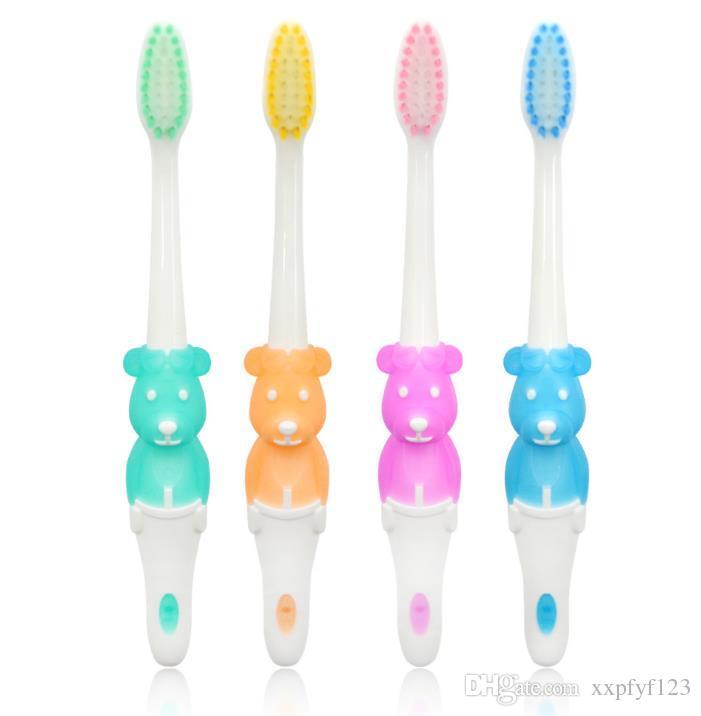 2018 top crianças crianças escovas de Dentes Escova de dentes dos desenhos animados animal Little Bear cabelo macio escova de Dentes acessórios de banho 4 estilos a381