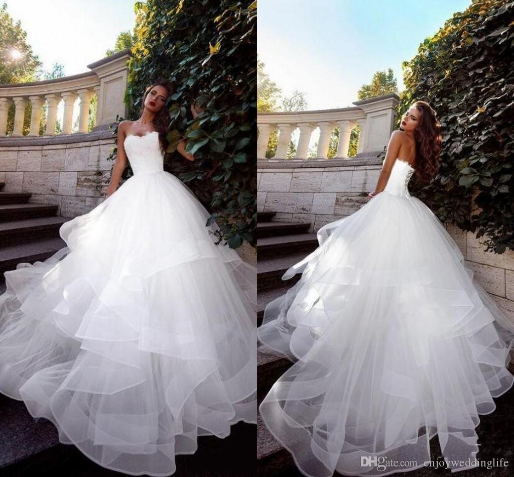 2019 New Arrival Elegant White Strapless Wedding Dresses Lace Top Ruffles Skirts Sleeveless A Line Tulle Wedding Bridal Gowns Summer Beach