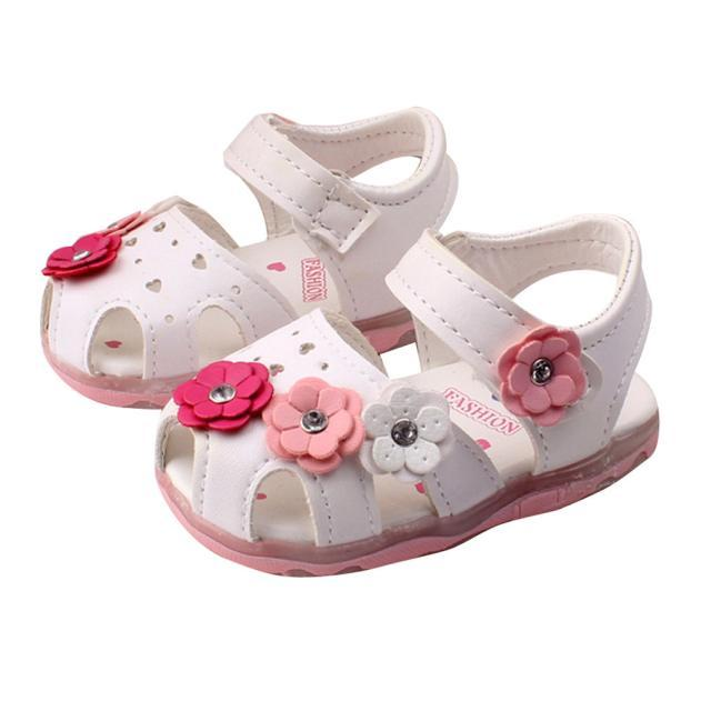 Toddler Girls Flower Sandals Lights Princess Baby Shoes Baby Soft Shoes  Newborn Child Summer Comfortable Girl Sports Cheap Kid Shoes Infant Girls  Shoes From ... 1c3035a3a7f