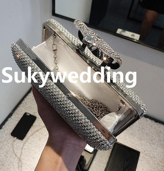 Las mujeres forman bolsos de embrague Diamantes Mano Nupcial Bolsas para la fiesta nupcial moldeado del embrague bolsas de mujer para la boda que Negro En stock