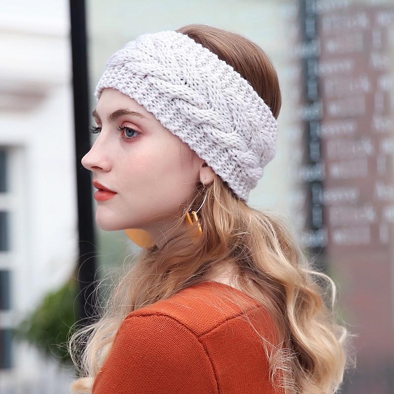 Acquista 2018 Solido Di Lana A Maglia Fascia Donne Inverno Caldo Orecchio  Crochet Turbante Accessori Capelli Le Donne Fascia Capelli Headwraps  Ragazze A ... 69ba7f238700