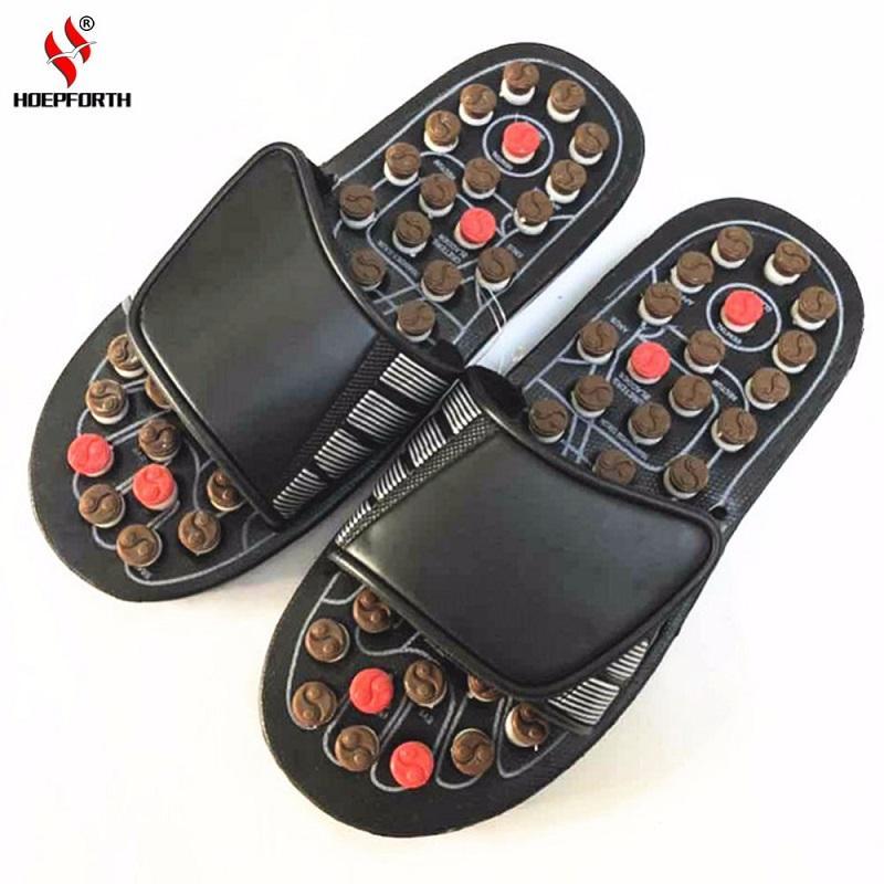 b2e46514b24ae Acquista Pantofole Massaggio Ai Piedi Terapia Magnetica Rotante Agopuntura  Piedi Relax Strumento Sano Sandalo Reflex Massaggiatore Scarpe Sanità A   27.26 ...