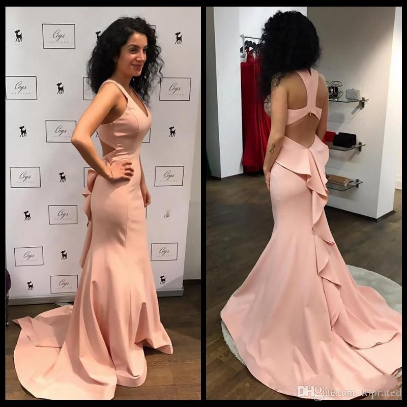 2018 Charming Sexy Backless Blush Pink Prom Dresses Scollo a V senza maniche Increspature Lunghi Abiti da Mermiad Abiti da sera Sweep Train economici
