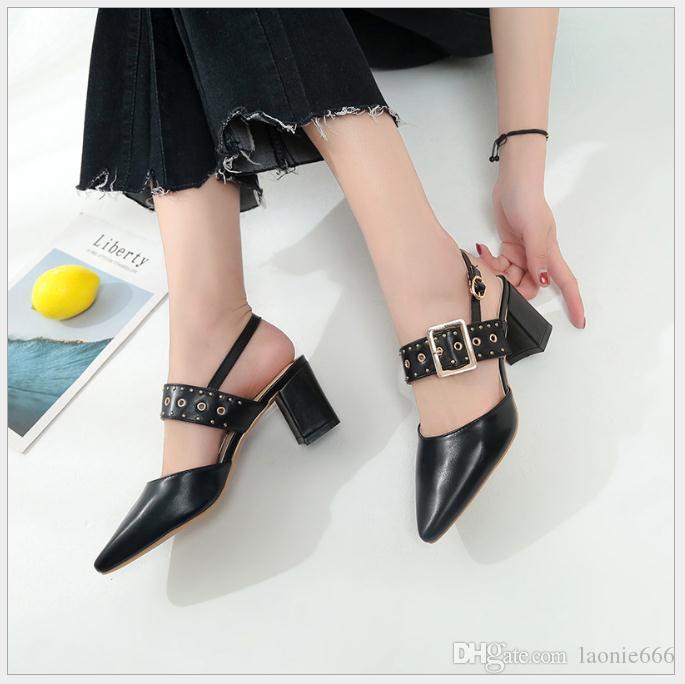 2018 летняя новая мода дикие указал с женщиной с Европы и Соединенных Штатов Америки Harajuku пряжки Женские сандалии