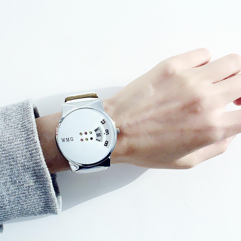 85a78110ce9 Compre Nova Marca Top WMG Baixo Preço Criativo WMG Casal Bonito Relógio De  Quartzo Moda Pulseira De Couro Relógio Para Estudantes Homens Mulheres  Senhoras ...