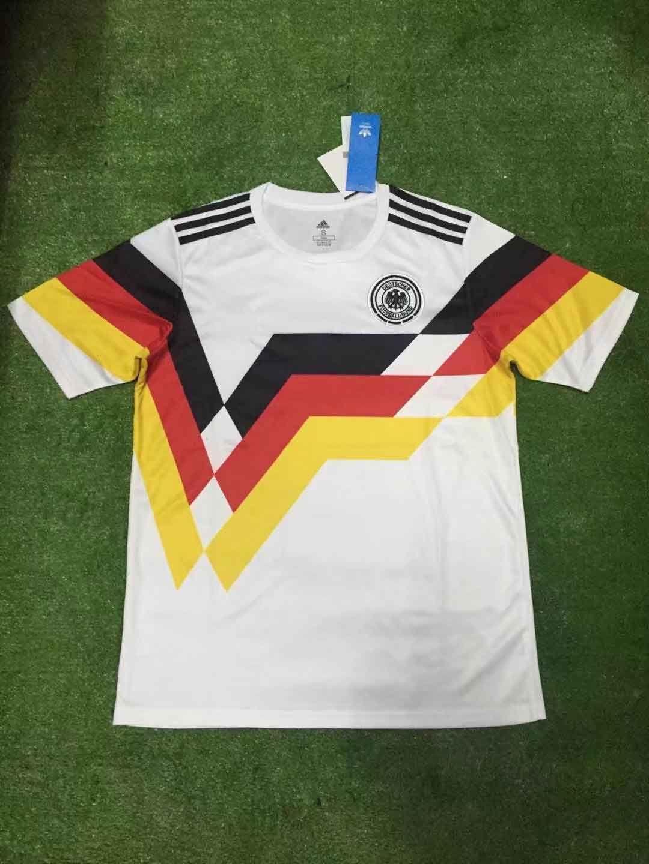Compre 2018 2019 Top Camisa De Futebol De Qualidade Thai MULLER OZIL KROOS  Copa Do Mundo Casa Branca 18 19 GOTZE REUS HUMMELS GermanyS Uniformes  Camisa De ... 2540590da7ef4