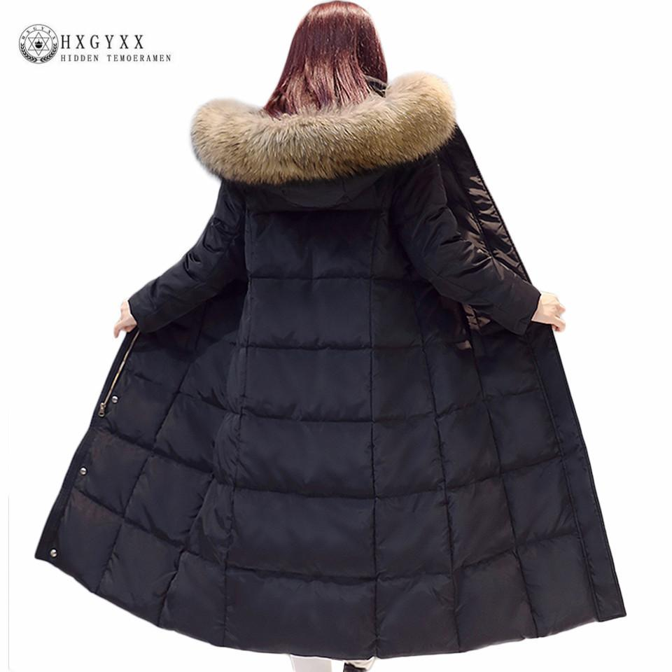 Großhandel 2018 Echte Waschbärpelz Weiße Ente Daunenmantel Winterjacke  Frauen Lange Warme Einfarbig Mit Kapuze Parka Plus Größe Snow Outwear  Okb167 ... 3fdb967f2d