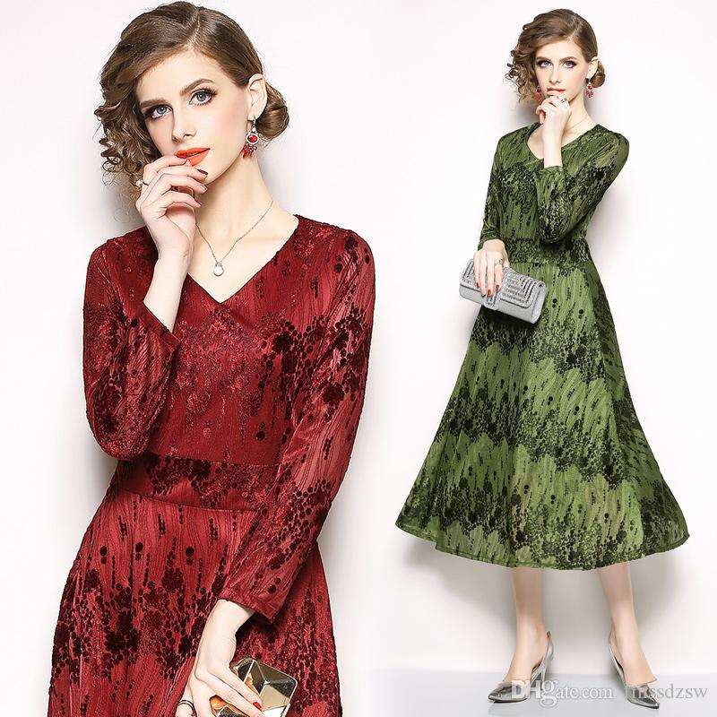 Dress female 2018 fashion wild European stand autumn and winter new long-sleeved jacquard velvet V-neck dress long dress