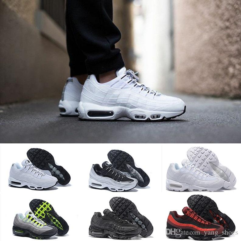 cf181b32f1e82 Compre 2019 Nike Air Max 95 Running Shoes New Fashion Classic 95 OG Blanco  Y Negro Hombre Zapato 95 Pad M95 GS 95S Tamaño 36 46 A  92.96 Del  Yang shoes ...