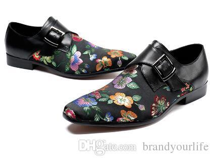2018 Мужчины вышивка цветочные обувь винтажный стиль пряжки мокасины свадебные оксфорды тапочки мужчины платье обувь красный и черный