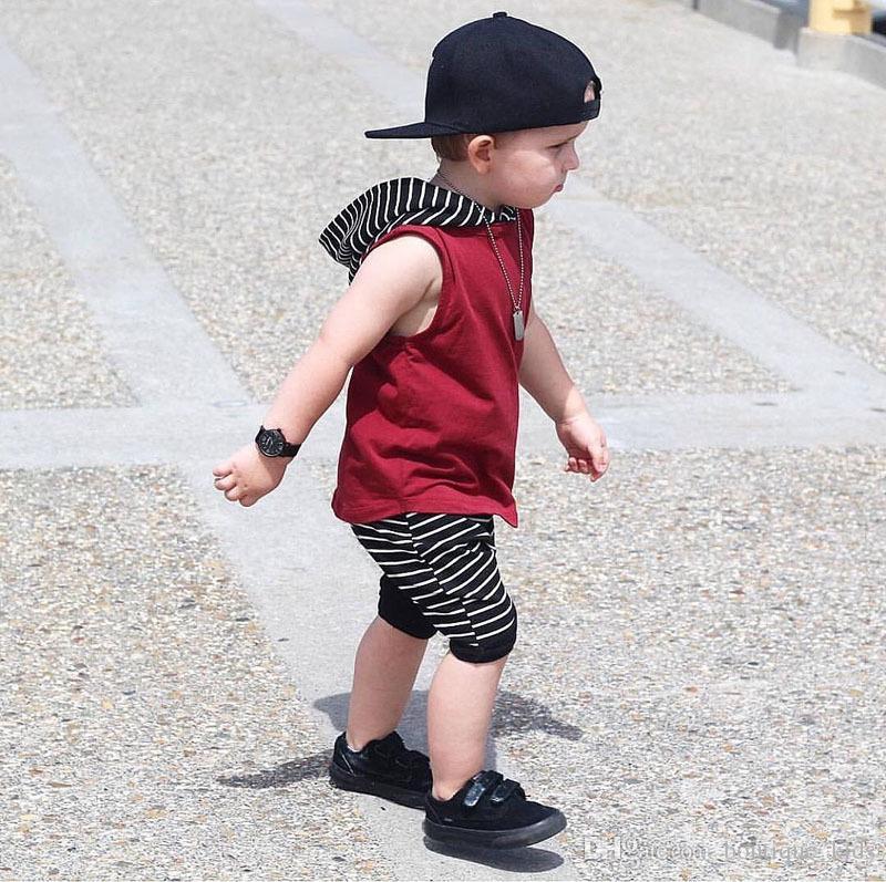 2018 Sommer Baby Boy Sleeveless Mit Kapuze Tops + Gestreifte Shorts Hosen 2 STÜCKE Jungen Outfits Kleinkind Jungen Kleidung Kinder Kinder Kleidung Sets