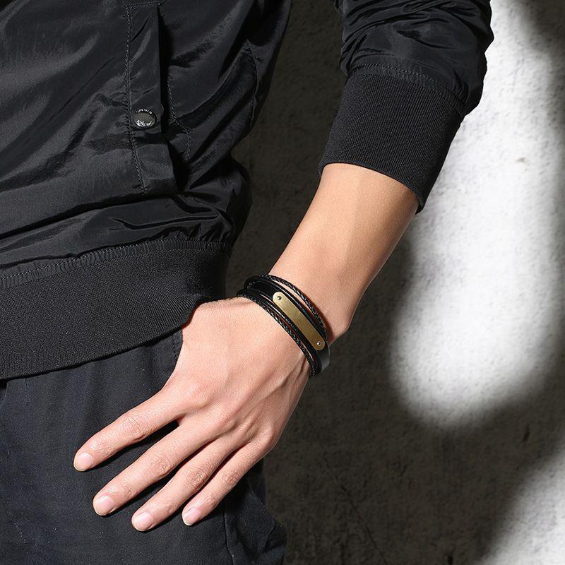 Grabado gratis Mate en blanco Placa de cuero curvo Pulsera de acero inoxidable Wrap Pulsera negra Regalos para hombres
