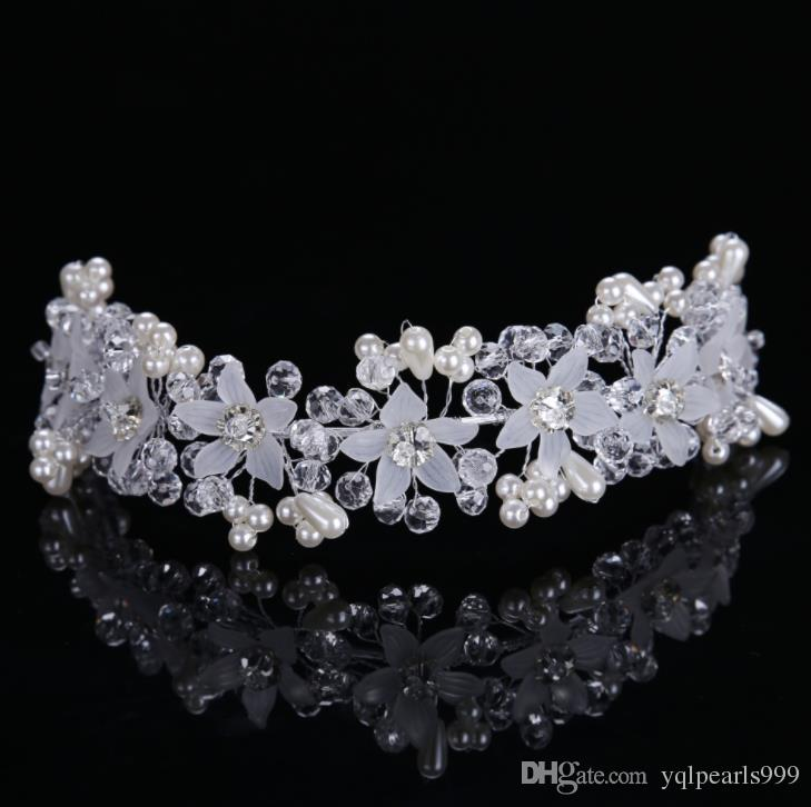 düğün aksesuarları ile Gelin kristal çiçekler