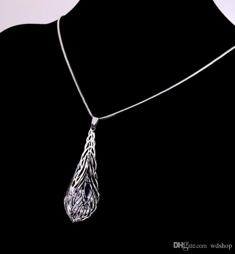 Silver Tone Leaf Crystal Cage Pendant Necklace Stereoscopic Hollow Leaves Choker Necklaces For Women Party Jewelry