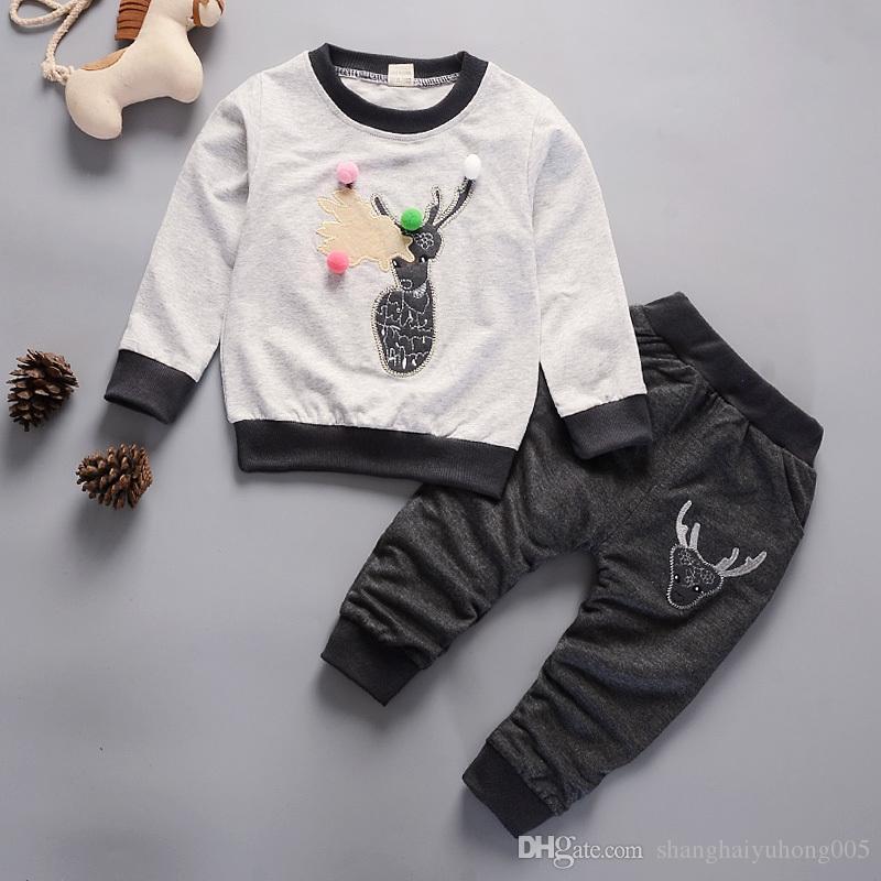 Acquista 2018 Moda Bambini Ragazzi Ragazze Set Di Abbigliamento Cartone  Animato Cervi Pantaloni T Shirt 2 Pezzi   Set Bambino Primavera Autunno  Vestiti ... 4c234f860ad
