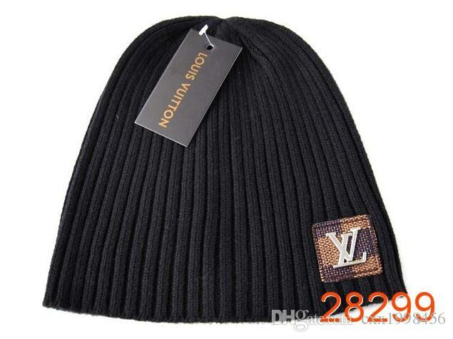 4e1239f7568c0 2018 luxury brand latest douma men and women single sex beanie women  leisure knitting skateboard head cover cap outdoor lovers C995