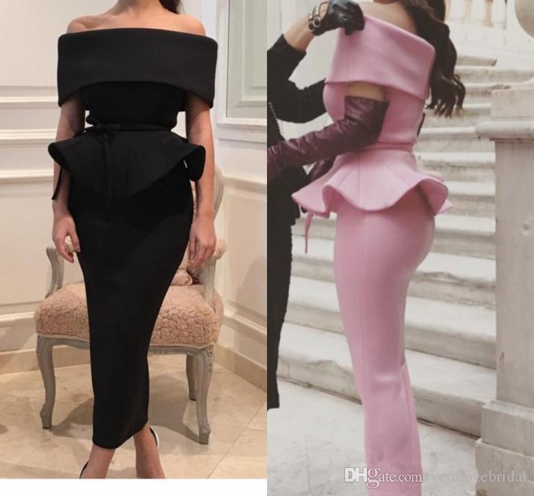 Vestidos de noche negros sexy vaina de satén fuera del hombro longitud del té volantes vestidos de cóctel vestidos de fiesta de manga corta barato 2017